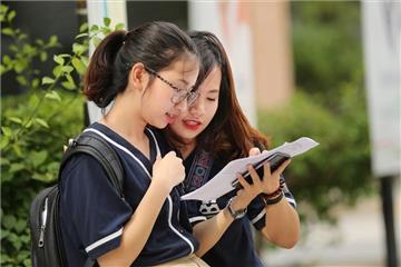 Chính thức: Học sinh trung học không còn bị cảnh cáo ghi học bạ từ 01/11