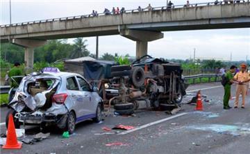 Thủ tướng: Phải làm rõ nguyên nhân sâu xa gây tai nạn giao thông