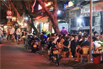 TP.HCM cho mở cửa phòng gym, pub, beer club từ 09/3/2021