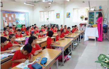 Hà Nội: Hạn chế học sinh trái tuyến ở trường có quá nhiều lớp