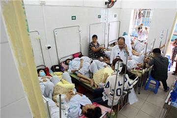 Do Covid-19, bệnh viện không để người bệnh nằm ghép