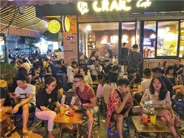 NÓNG: Hà Nội dừng hoạt động quán bia, chợ cóc do Covid-19
