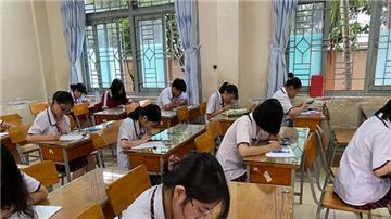 TPHCM cho phép học sinh lớp 9 và lớp 12 đi học trở lại