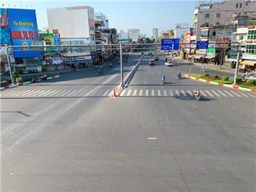 NÓNG: TP.HCM giãn cách xã hội toàn thành phố từ 0h ngày 31/5/2021