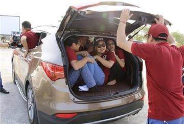 Xe ô tô được phép chở quá bao nhiêu người?