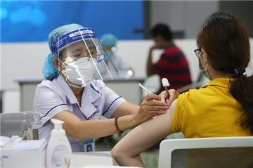 Bộ Y tế: Phải đẩy nhanh tốc độ tiêm vắc xin Covid-19 trên cả nước
