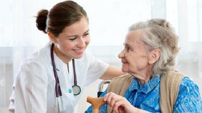 phòng dịch Covid-19 cho người cao tuổi