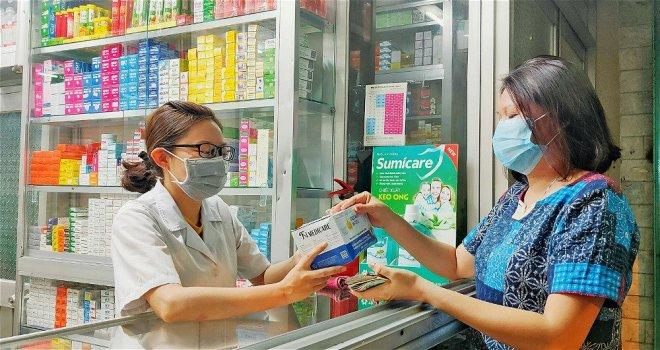 Hiệu thuốc phải hướng dẫn người ho, sốt đến mua thuốc khai báo y tế