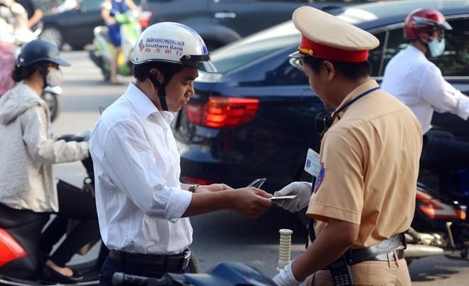Ô tô, xe máy không có bảo hiểm bắt buộc phạt bao nhiêu?