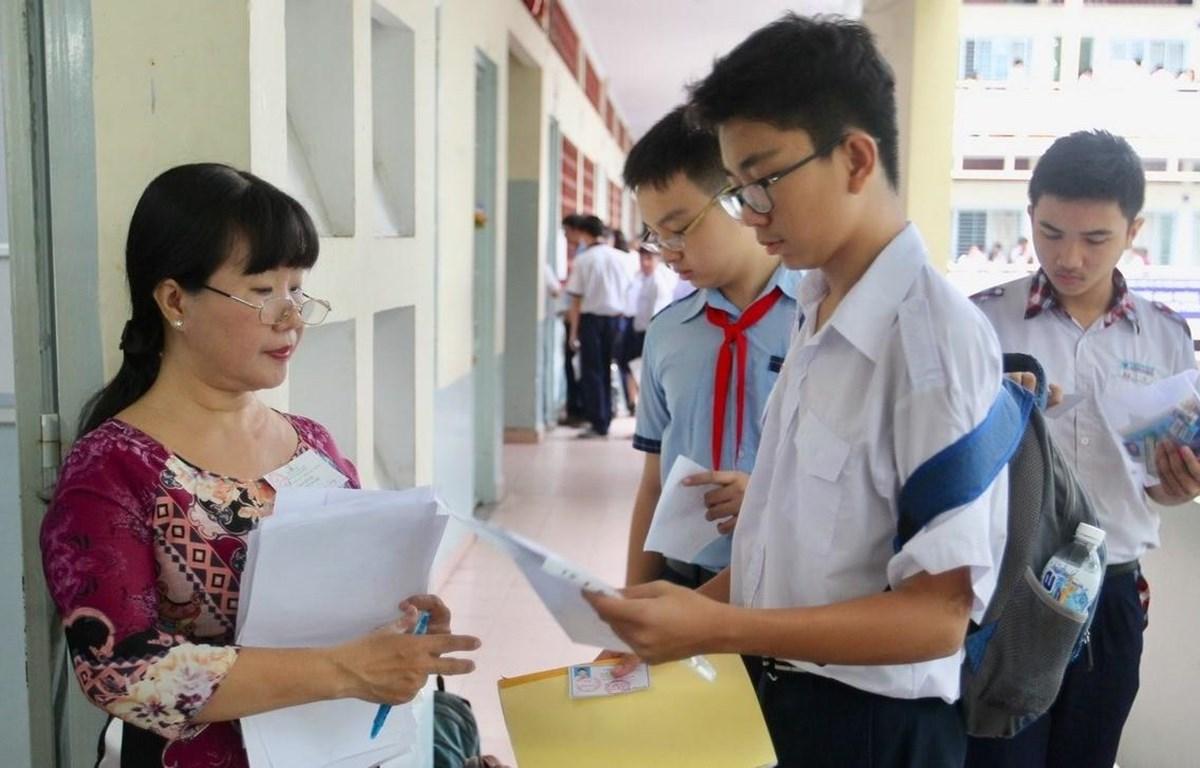 Giảm nội dung thi tuyển sinh lớp 10 ở Hà Nội năm học 2020 - 2021
