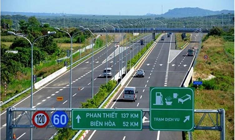 Có bị giới hạn tốc độ tối thiểu trên đường cao tốc?