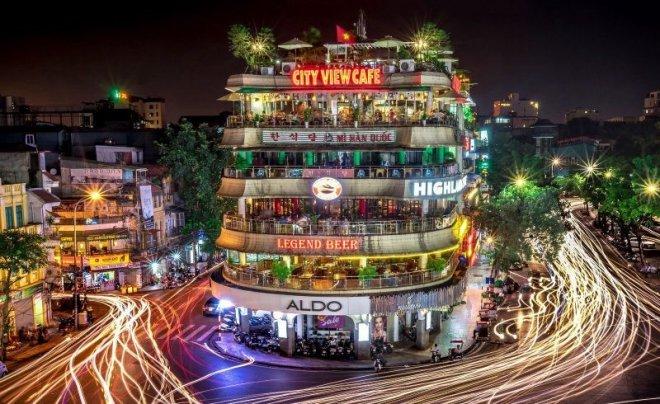 Nhà hàng, khách sạn phải giảm 50% đèn chiếu sáng quảng cáo