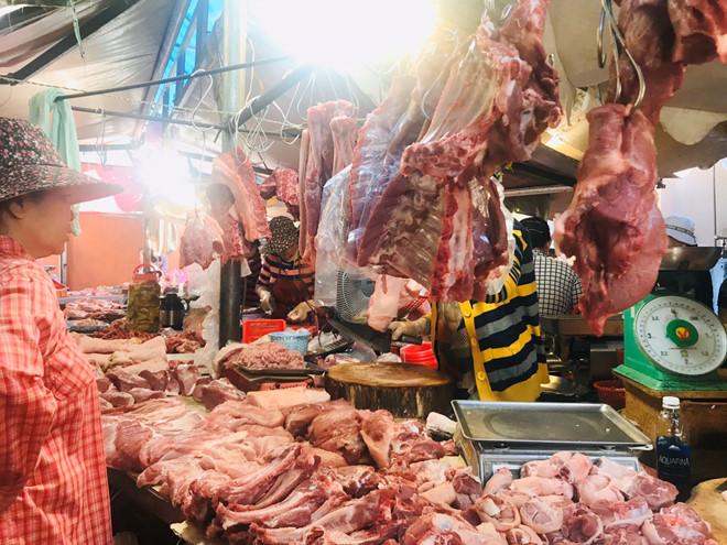Nghiên cứu đưa thịt lợn vào Danh mục hàng hoá bình ổn giá