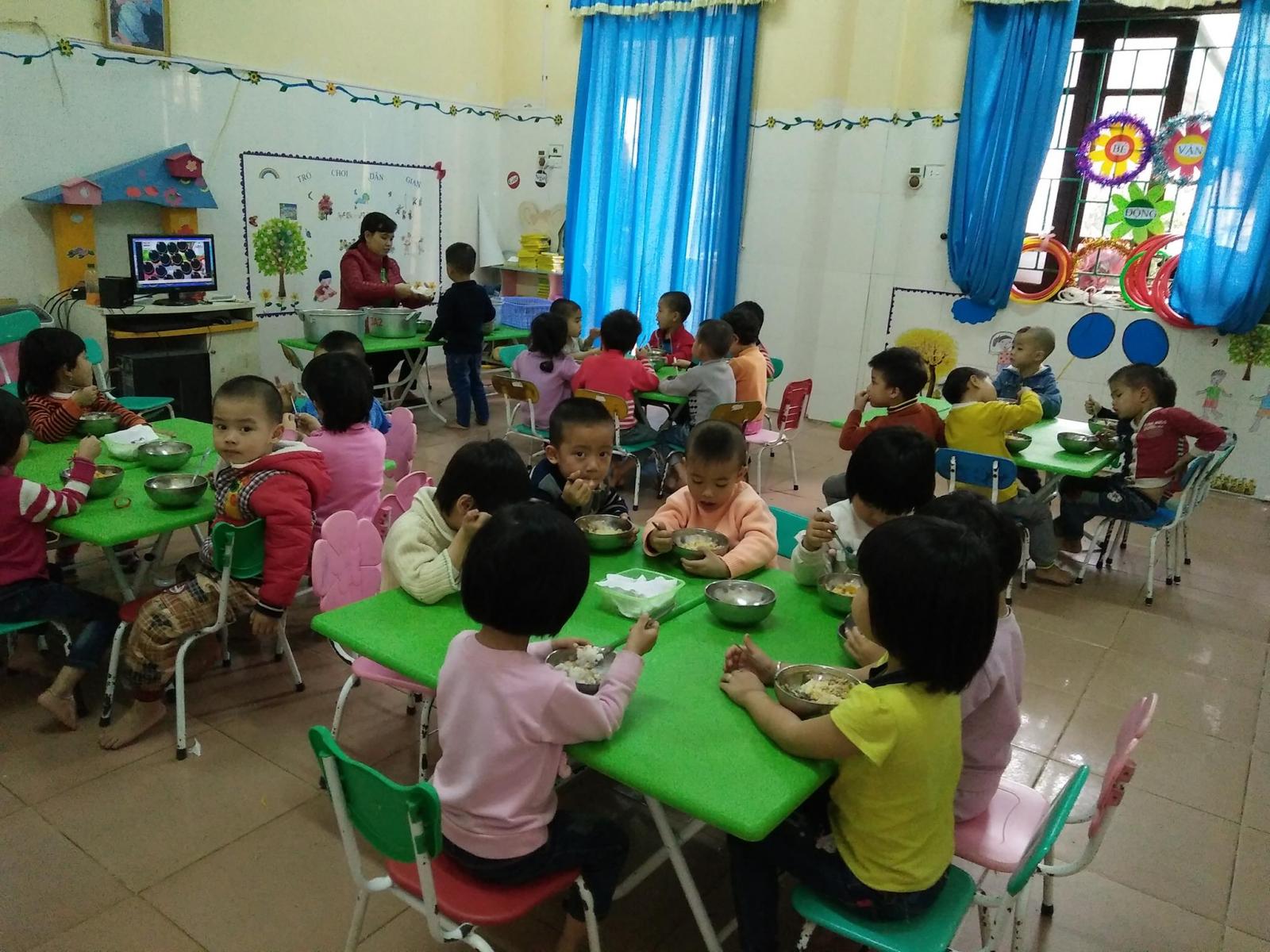 TP. HCM tạm thời không cho trẻ mầm non ăn sáng tại trường