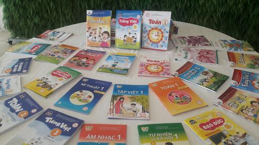 Chính phủ: Sớm đưa sách giáo khoa vào Danh mục hàng do Nhà nước định giá