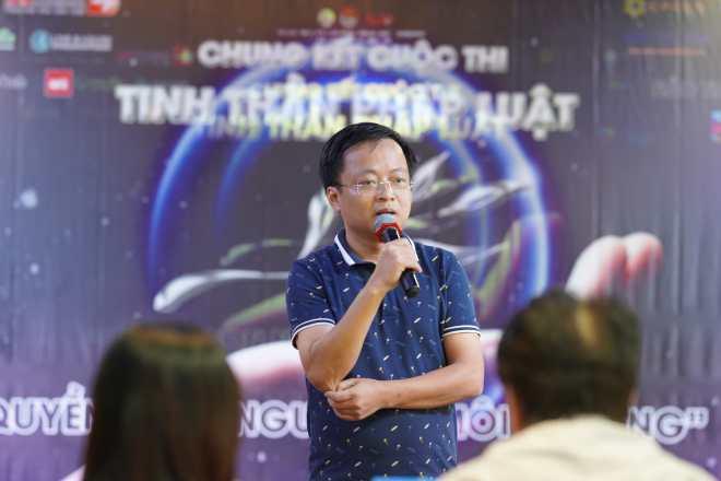 đại diện LuatVietnam phát biểu tại cuộc thi