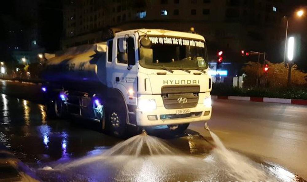 Hà Nội đồng ý nguyên tắc rửa đường đảm bảo vệ sinh môi trường