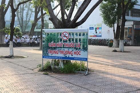 Cấm giáo viên, giảng viên hút thuốc trong trường học từ 01/7/2020