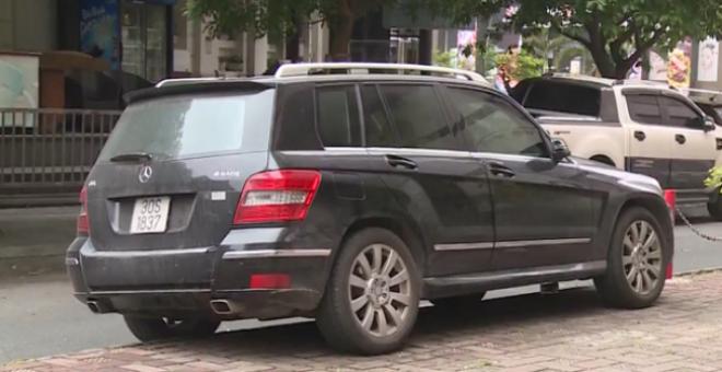 Từ 01/7/2020, ô tô được đỗ nửa xe trên vỉa hè