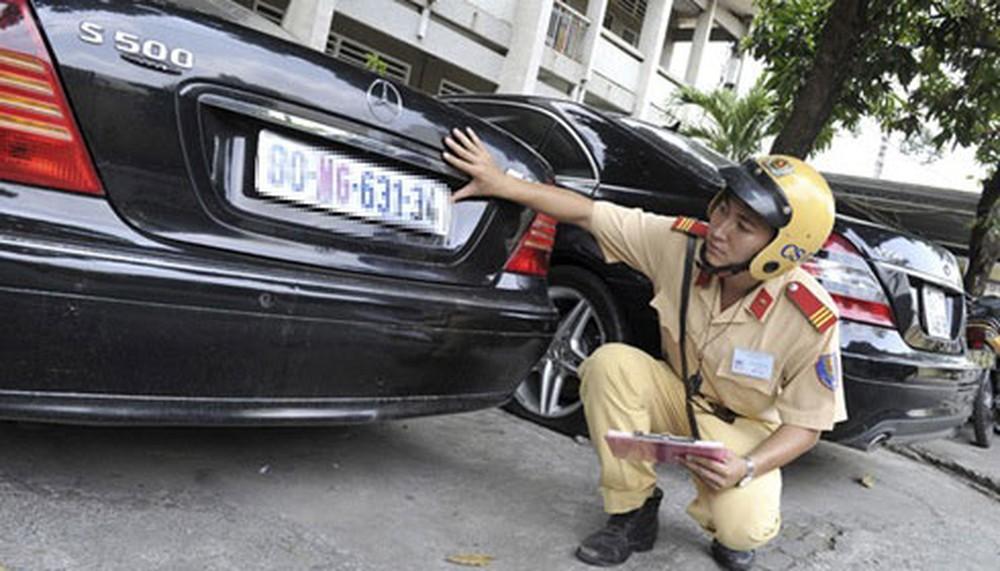 Thêm 4 trường hợp bị thu hồi đăng ký xe, biển số xe từ 01/8/2020