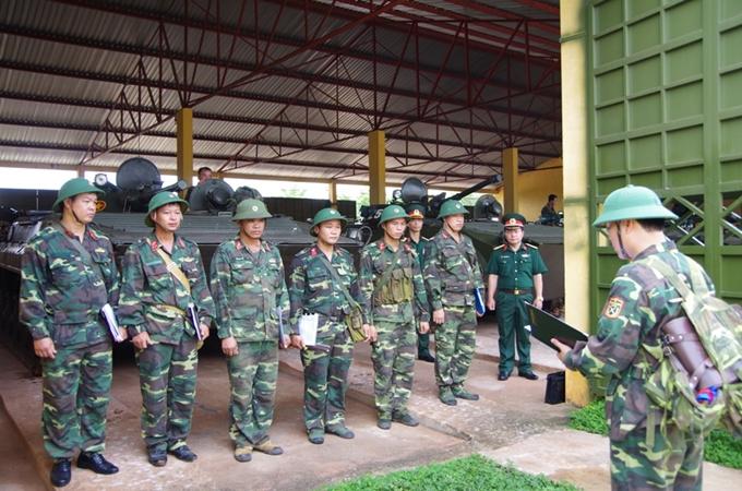 Viên chức thuộc đối tượng tuyển chọn đào tạo sĩ quan dự bị