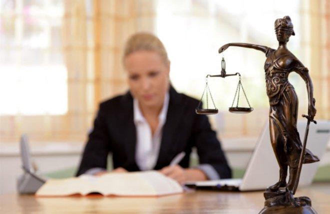 Luật sư xúi khách hàng khai sai sự thật