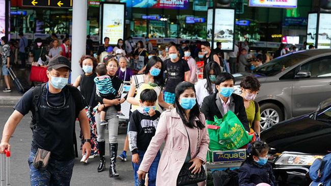 Chỉ đạo mới của Hà Nội về việc đeo khẩu trang nơi đông người