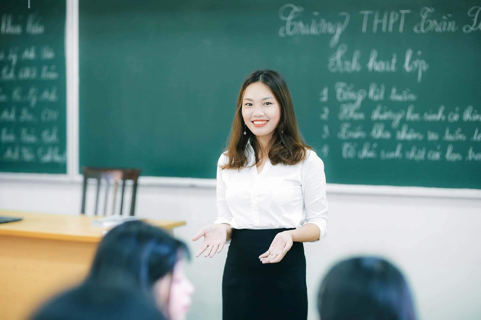 Giáo viên nâng chuẩn phải cam kết thời gian công tác