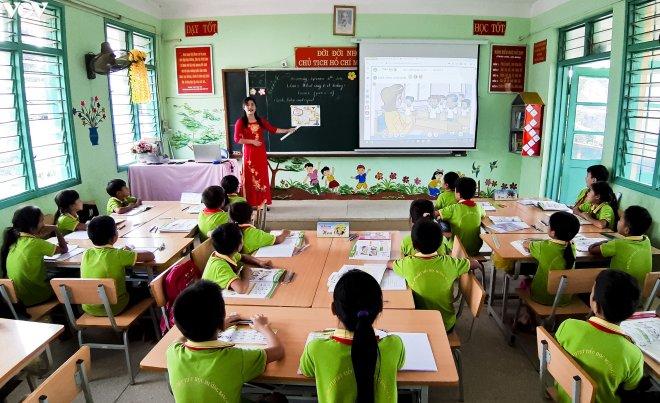 100% học sinh lớp 3 được học ngoại ngữ trong năm 2022-2023
