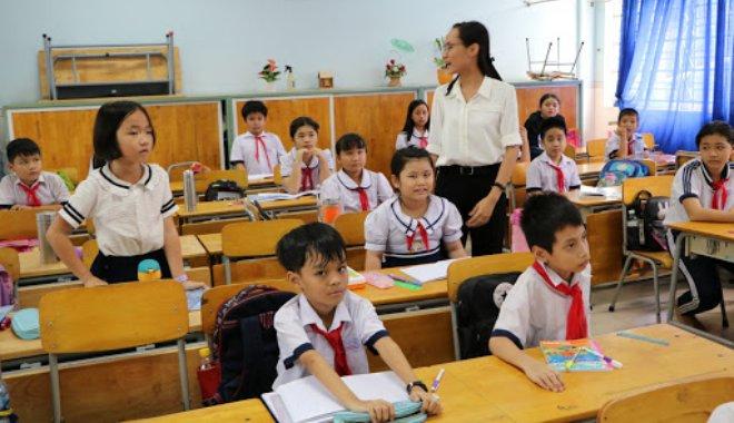 Giáo viên tiểu học nâng chuẩn trình độ