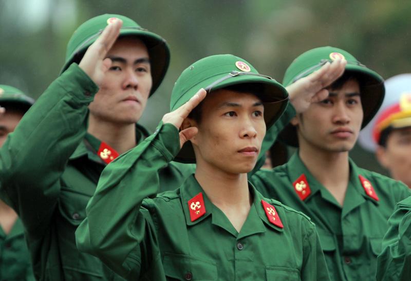 Được hoãn đi nghĩa vụ quân sự mấy lần và trong bao lâu?