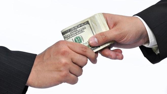 Tội nhận hối lộ bị xử lý thế nào theo quy định mới nhất