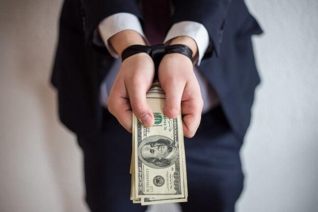 Tội cưỡng đoạt tài sản bị xử lý như thế nào