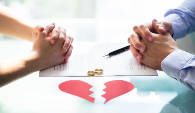 thủ tục ly hôn với chồng đang đi tù