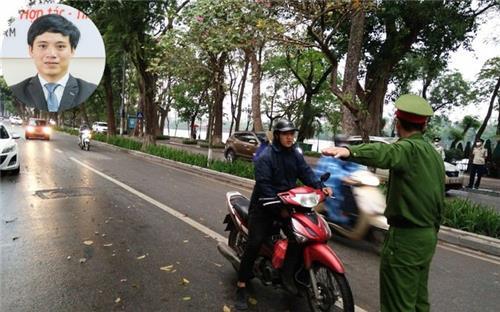 Hôm nay, người dân Hà Nội ra đường nếu không cần thiết bị phạt bao nhiêu?