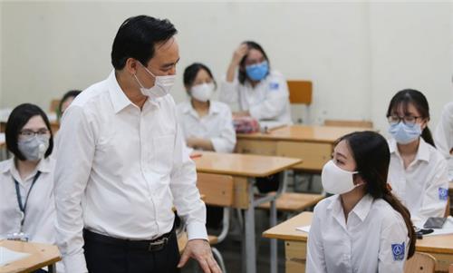 Bố trí kíp trực y tế để sơ cấp cứu trường hợp sốt, ho, khó thở
