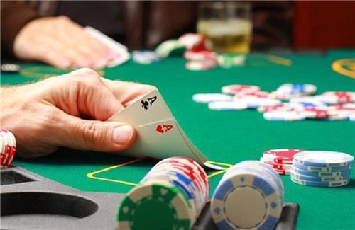 Tội đánh bạc khi nào phạt tiền? khi nào phạt tù?