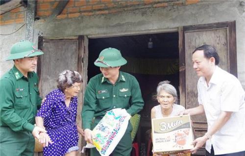 Thủ tướng yêu cầu đảm bảo cuộc sống cho người dân sau lũ