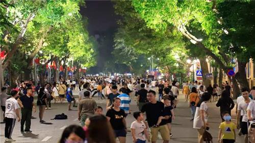 Hà Nội tiếp tục dừng hoạt động tập trung đông người vì Covid-19