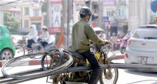 Hà Nội, TP. HCM thu hồi xe cũ nát gây ô nhiễm môi trường