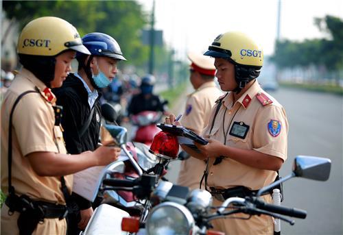 CSGT có được giữ Căn cước công dân của người vi phạm?