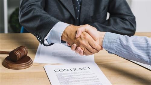 Có được ký nhiều lần hợp đồng lao động có thời hạn không?