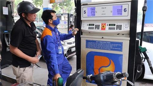 Giá xăng, dầu đồng loạt giảm nhẹ từ 15h ngày 27/7/2021