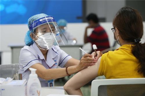 TP. Hà Nội bố trí các tổ tiêm chủng làm việc toàn thời gian