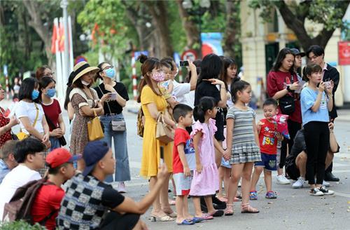 Thủ tướng yêu cầu không để tụ tập đông người nơi công cộng