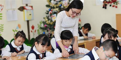 Giải đáp về chuyển hạng, xếp lương giáo viên theo 4 Thông tư mới
